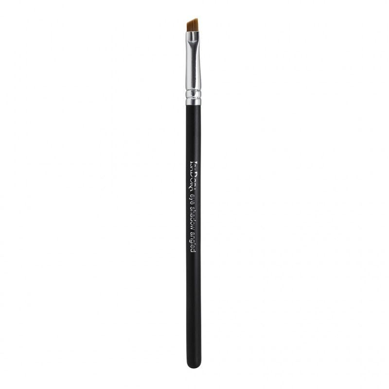 Кисть IsaDora Eye Shadow Brush Angled (1 шт.) кисть tony moly professional blending shadow brush 1 шт